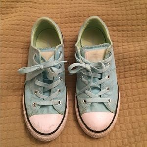 Girls Low Top Converse Chuck Taylor Sneakers